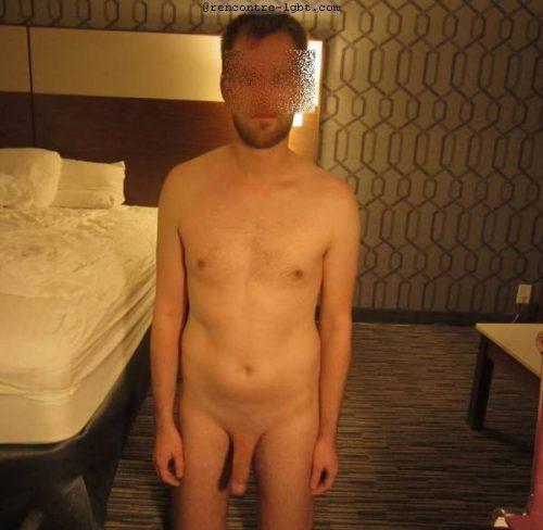 Jeune coquin gay au Mans cherche plan coquin