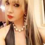 Transexuelle asiatique jolies fesses bonne fellation